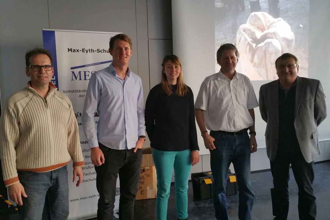 Schätzen die Zusammenarbeit mit dem Förderverein sehr: Das Zahntechnik-Lehrerteam der Max-Eyth-Schule Kassel und der Referent der Veranstaltung